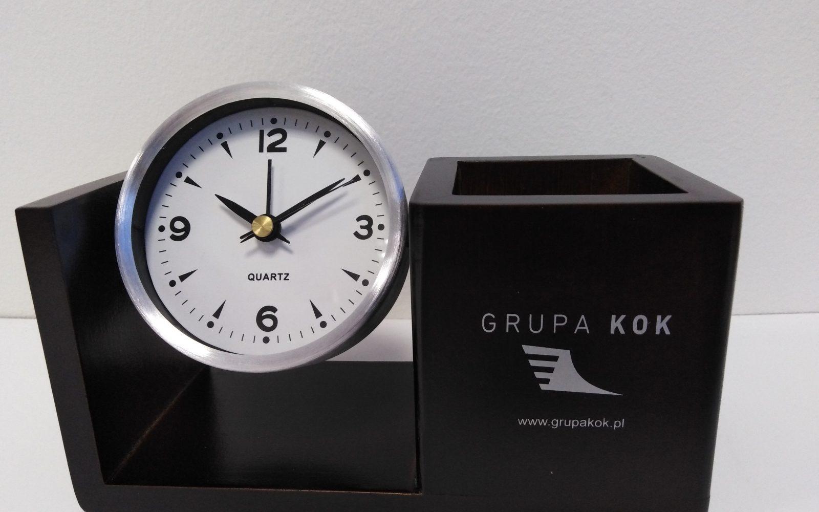zegarek piórnik logo